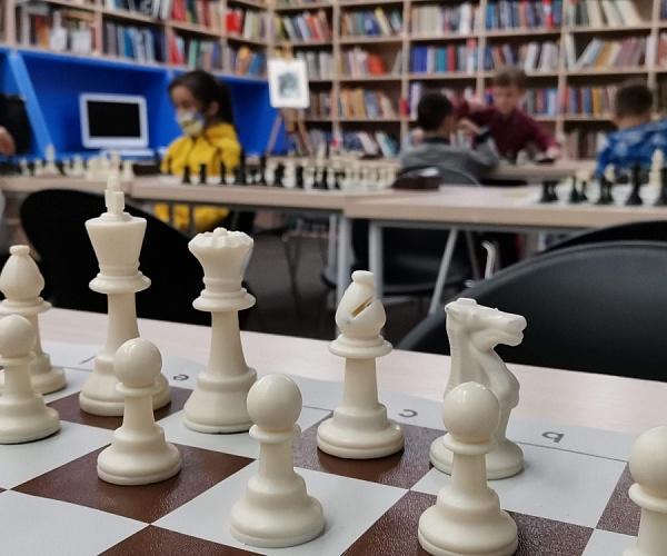 Московская шахматная школа